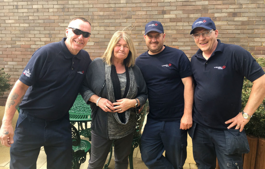Jackie from MindCare with VINCI volunteers